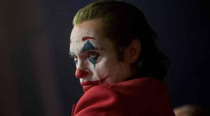 Joaquin Phoenix in Joker makeup