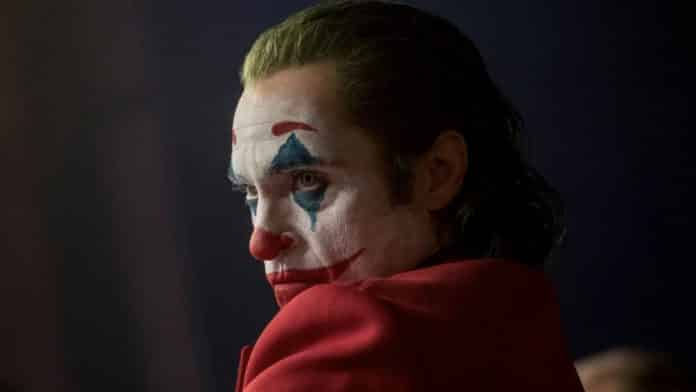 Joaquin Phoenix in Joker makeup